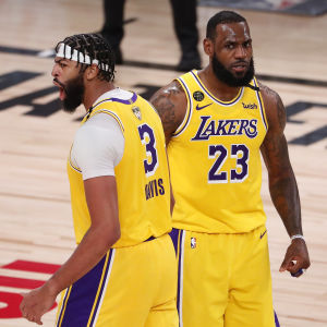 Los Angeles Lakers vann den första NBA-finalen.