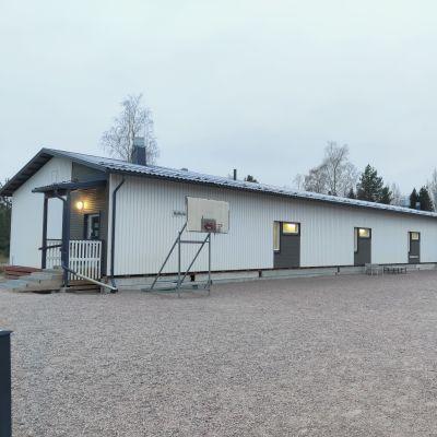 Ryttylän väliaikainen koulurakennus.