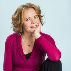 Ellen Engvall är barnmorska och instruktör i medicinsk yoga.