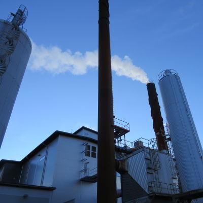 Ekenäs Energis kraftverk och flisvärmeverk i Björknäs i Raseborg.