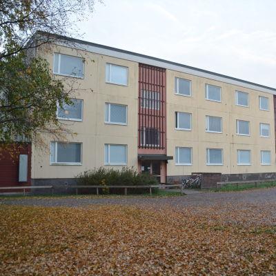 Hyreshus vid Halmstadsgatan i Hangö.
