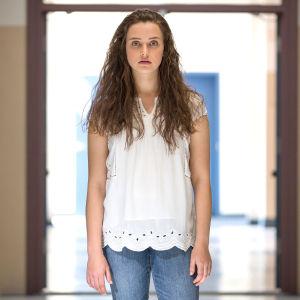 Katherine Langford som spelar Hannah Baker.