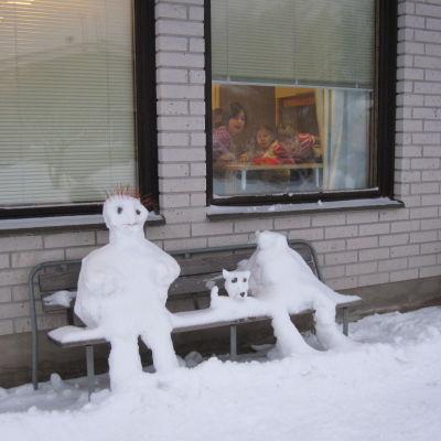 Snögbubbar vid Vendlaskolan