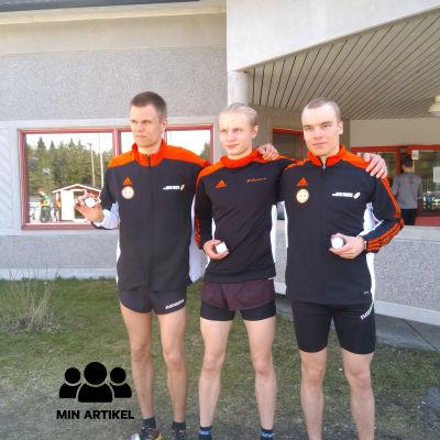 Terränglöparna Tuomas Puputti, Ollipekka Heikkilä och Lassi Vuorinen
