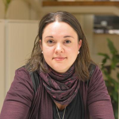 Porträttbild på Fredrika Åkerö.
