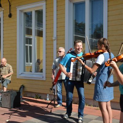 Spelmansgruppen Virventa från Litauen.
