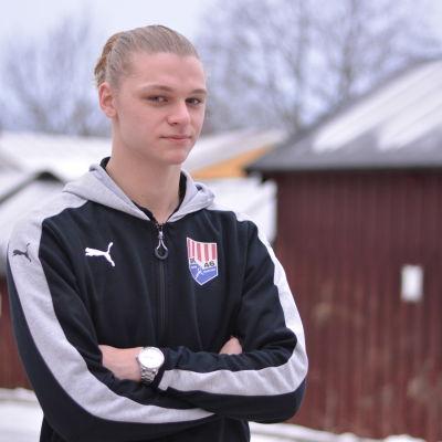 Porträttbild på Miska Henriksson.