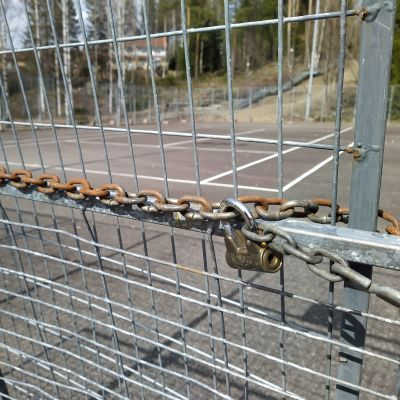 Kuopion kaupungin suljettu tenniskenttä Petosen Litmasella