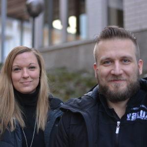 Josefin Mannström och Conny Karlsson står bredvid varandra.