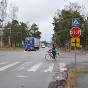 Korsningen Appelgrensvägen - Korsmansgatan i Hangö