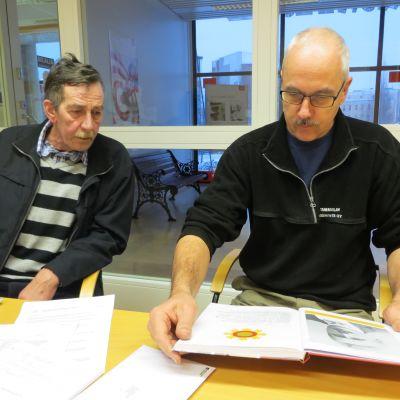Jouko ja Taito Syrjälä Liesjärven työväenyhdistyksestä