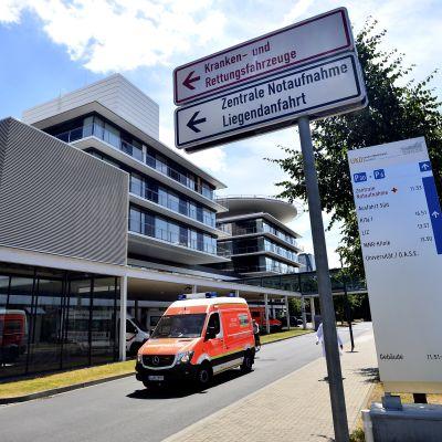 Düsseldorfin yliopistollinen sairaala ulkoapäin kuvattuna