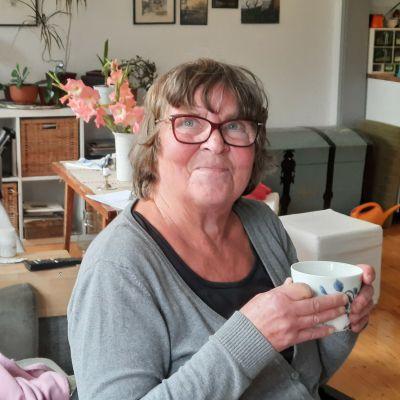 Astrid Nikula berördes starkt av kvinnorna och de små barnen som mist det lilla de hade i branden i flyktinglägret.