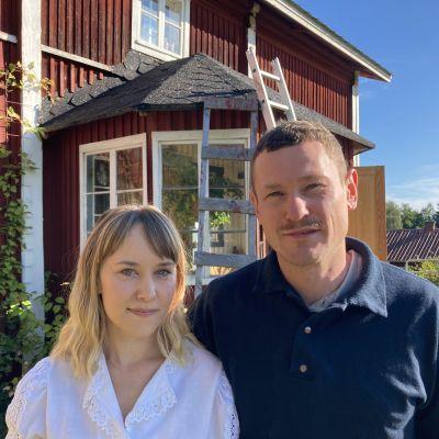 Laura Matikainen ja Bart Dijckmans tekevät Pihtiputaalla.