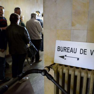 En folkomröstning om införande av minimilön ordnades i Schweiz den 18 maj 2014.