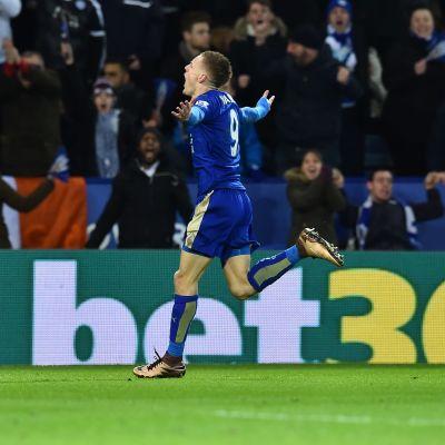 Jamie Vardys superträff sänkte Liverpool.