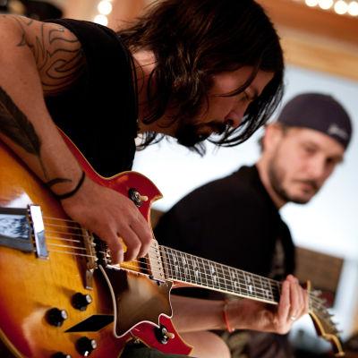 Dave Grohl ohjaamassaan musiikkidokumentissa Sound City