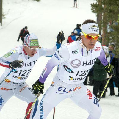 Sami Jauhojärvi åker skidor.