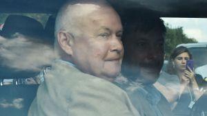 Dmitrij Kiselev, med Kirill Vysjinskij, lämnade flygplatsen i Moskva i samma bil på lördag eftermiddag.