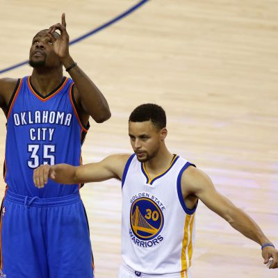 Kevin Durant ja Stephen Curry.
