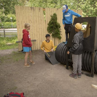Kesäleiri Oulunkylän puukoululla