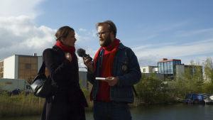 Toimittaja Pietari Kylmälä haastattelee arkkitehti Beata Labuhnia Amsterdamissa.