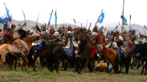 Återskapad strid mellan mongoler och annat folkslag.