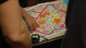 Kommentarer om cykeltrafiken i Åbo på karta över staden.