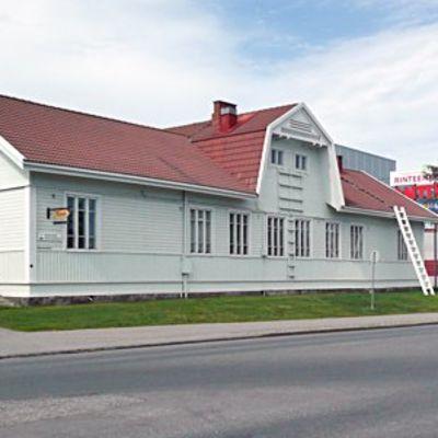 Rovaniemen vanha rauratieasema Ruokasenkadun länsipäässä