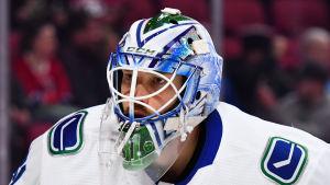 Anders Nilsson är ishockeymålvakt.