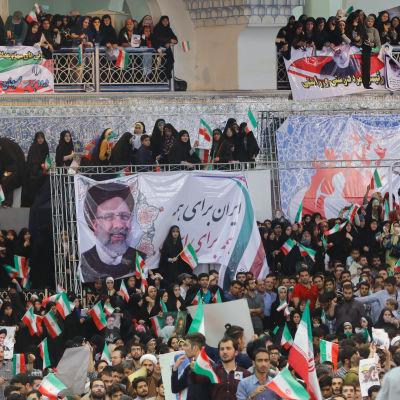 Valmöte för presidentkandidaten Ebrahim Raisi i Teheran.