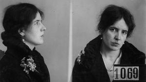 Margit Niininen fotograferad av polisen år 1927.