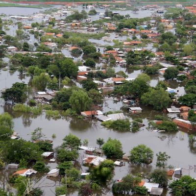 Svåra översvämningar i Sydamerika