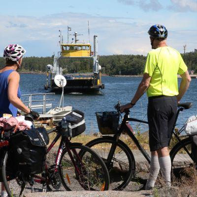 Pyörämatkailu on suosittua Turun saaristossa.