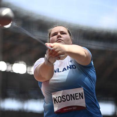 Silja Kosonen kuvattuna Tokion olympialaisten moukarikarsinnassa.