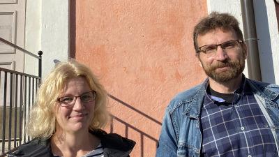 Mikaela Kokko och Jyrki Kaarila, biträdande rektor och rektor vid Nummela skola i Vichtis.