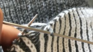 Lähikuva neulomisesta