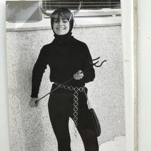 Kaisa Häkkinen pukeutui piruksi penkkareissa.