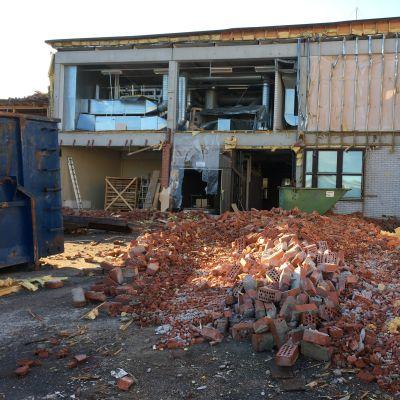 Sedun Kirkkokadun rakennusten purkaminen on alkanut, kuva 7.9.2020