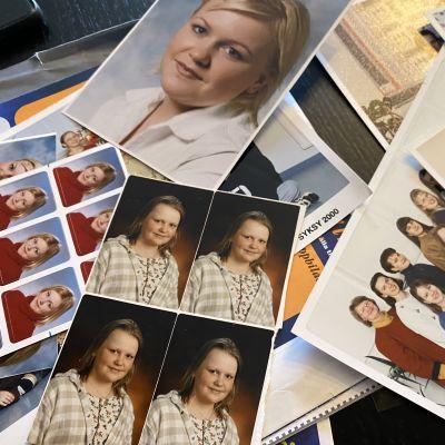 Nuoren naisen koulukuvia albumissa 90-luvulta