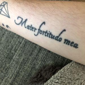 Tatuering:Mater fortitudo mea