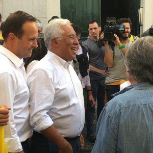 Socialisten António Costa (i mitten) har varit premiärminister i Portugal sedan 2015. Mycket talar för att han får fortsatt förtroende i söndagens val.
