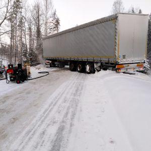 Långtradare i olycka på Forsbyvägen i Mörskom 18.01.19