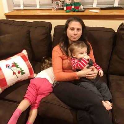 Michelle Cialella med sonen Jimmy 3rd i famnen i hemmet i Philadelphia.
