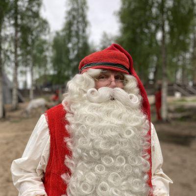 Joulupukki Joulupukin Pajakylässä Rovaniemellä