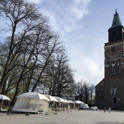 Turun Tuomiokirkon edustalle rakennetaan yhteisterassia 11.5.2021