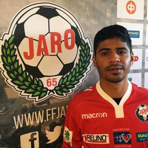 Luis Enrique Robles spelar för Jaro sommaren 2019.