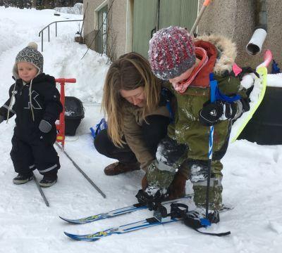 Sara Wilson med sina barn