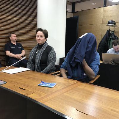 Morddömd pappa i Helsingfors hovrätt