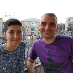 Alina Chanbabaeva och Jevgen Streltsov vill inte flytta utomlands trots kriget i Ukraina.